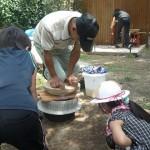 霧島連山のふもとで食農体験かまどで豆腐作り